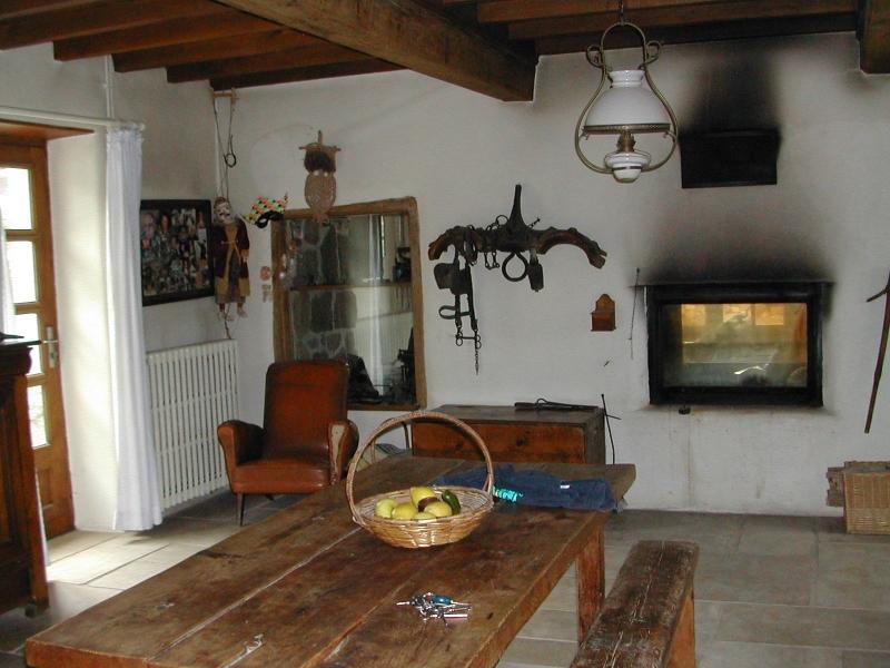 Salle à manger vue de la cuisine